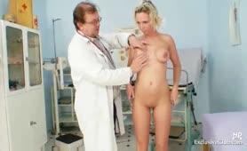 sexoualiko paixnidi sto gynaikologo