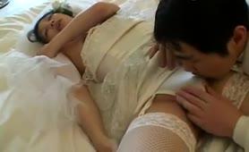 Japanese μετά το γάμο η νύφη παίρνει πίπα