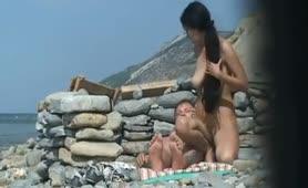 ζευγάρι γαμιέται στην παραλία
