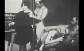 Orgia sto sxolio - Pornogafiki tainia apo to 1960